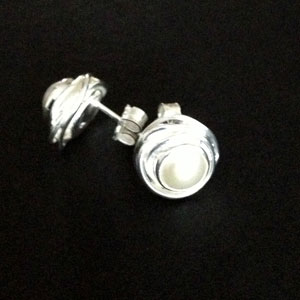 SIlver pearl nested earrings