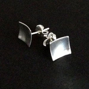 Squared dented earrings