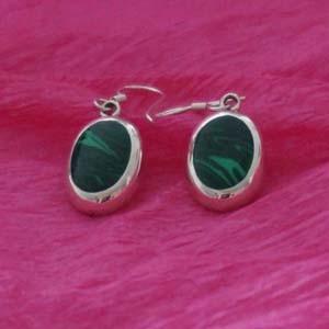 dangle green oval earrings