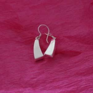 plain triangular silver earrings