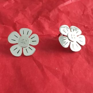 Button silver flower earrings