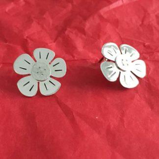 Button silver flower earrings