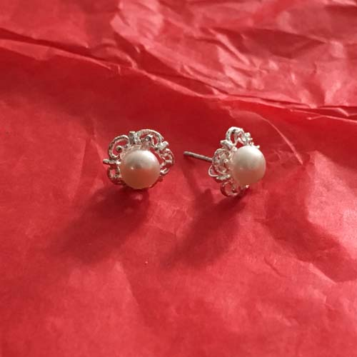 Pearl flower silver studs