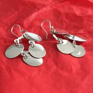 Oval dangle silver earrings