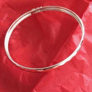 Silver ribbed bangle