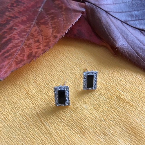 Onyx rectangular silver earrings