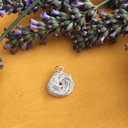 Swirl silver pendant