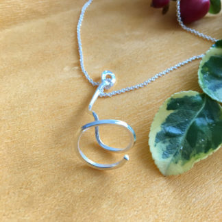 Large spiral pendant with chain